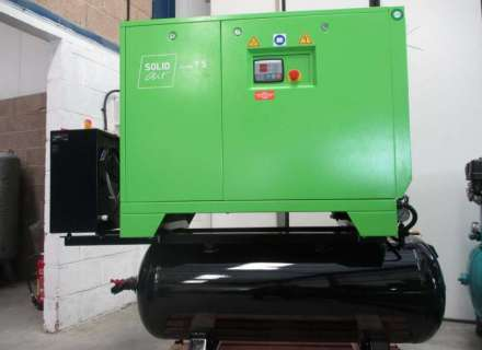 LOW COST STARTER LEVEL SCREW COMPRESSORS